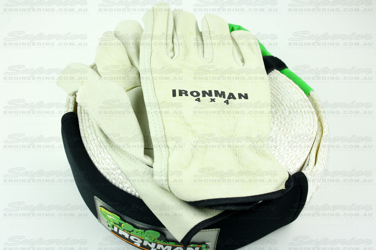 The recovery kit comes with a pair of super sturdy easy touch leather gloves