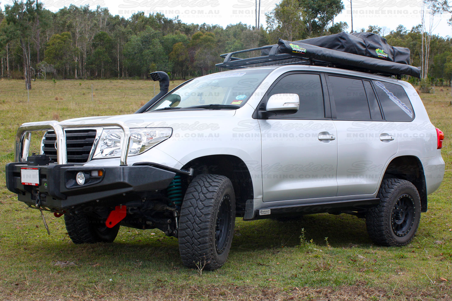Toyota Landcruiser 200 Series with a set of Superior Stealth Rock Sliders fitted