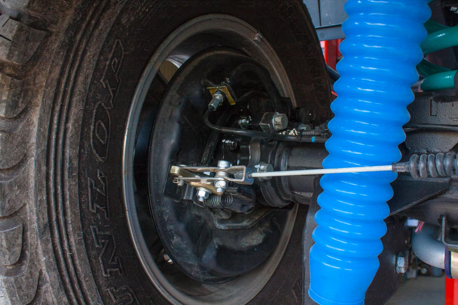 Closeup view of a fitted Multidrive Technology MDT Tru Tracker rear axle on a 79 Series Toyota Landcruiser